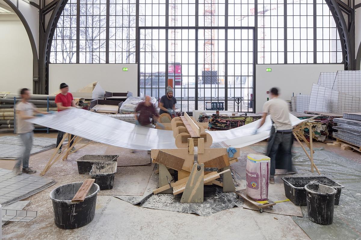 Michael Beutler: Moby Dick, Ausstellungsaufbau im Hamburger Bahnhof, Berlin